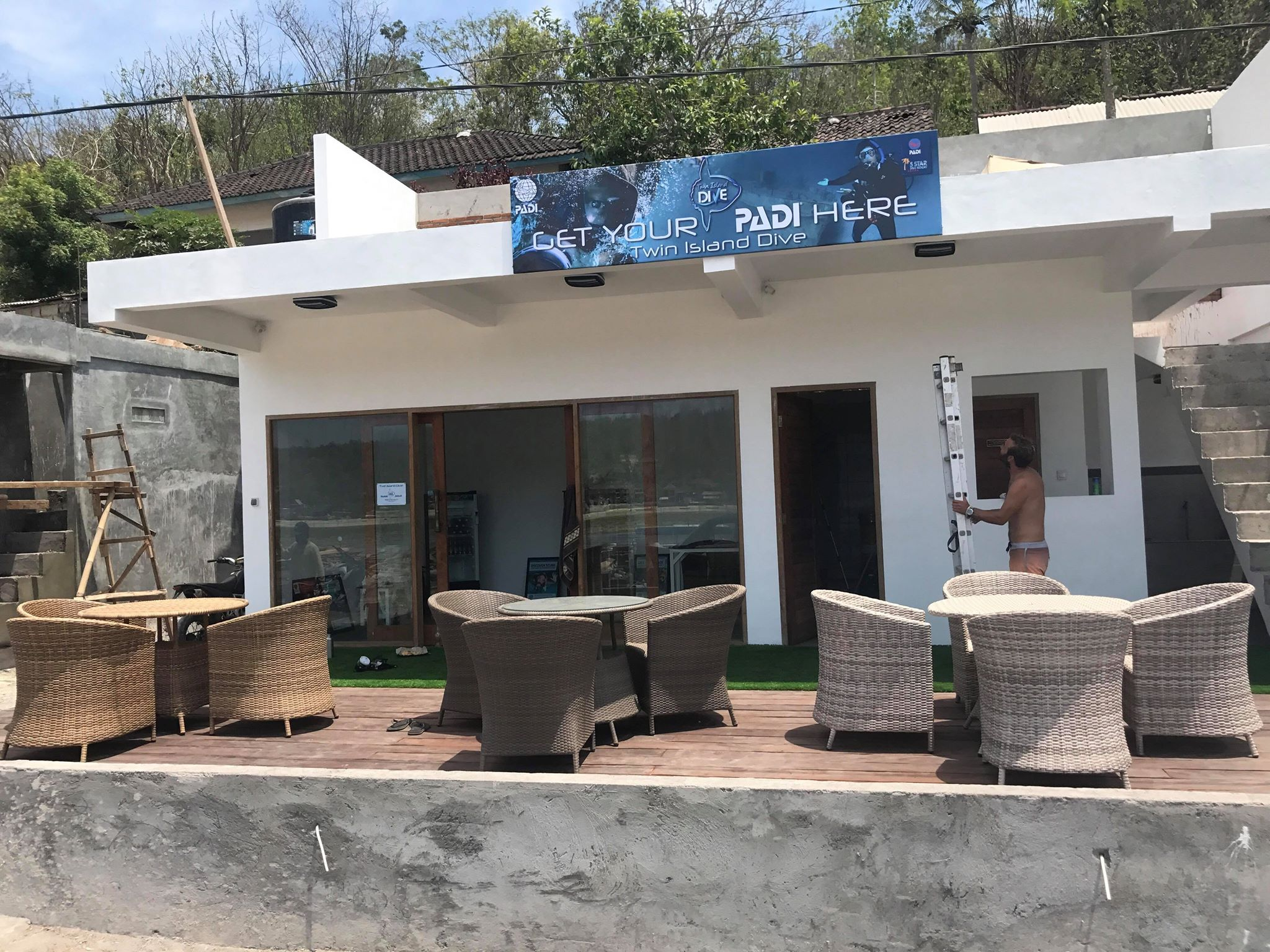 Twin Island Dive's New Dive Centre in Lembongan
