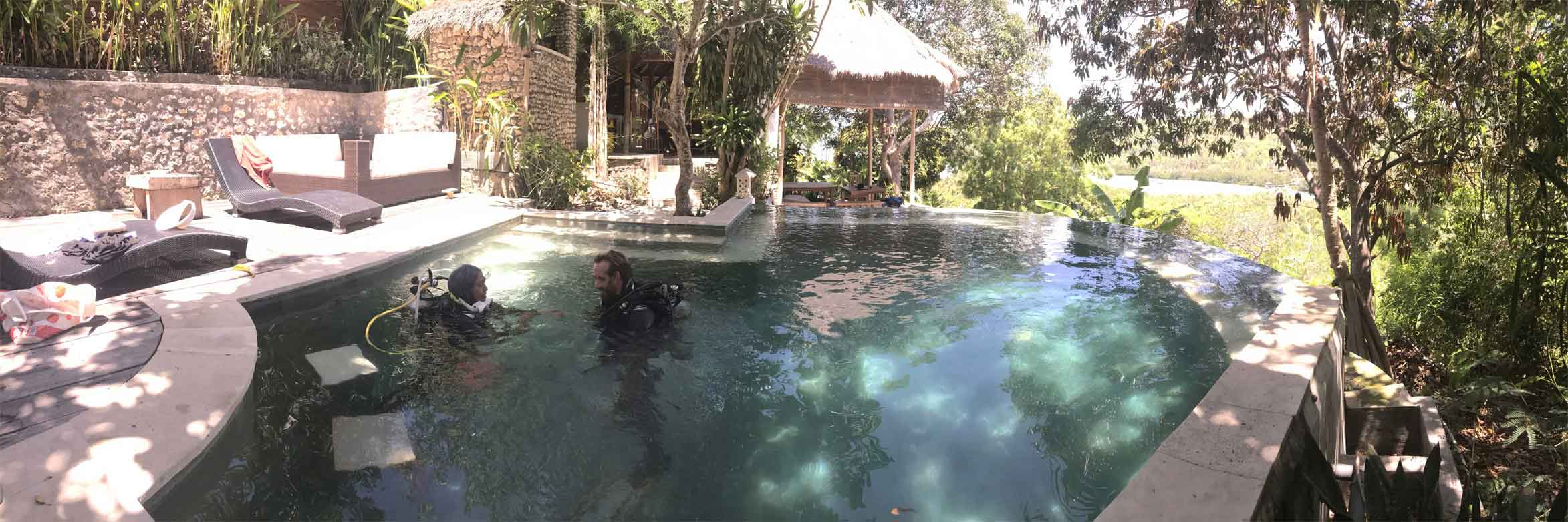PADI Divemaster Internship in Lembongan - Amanda in the pool with Kipp