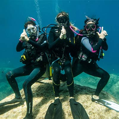 PADI Women's Day special offers